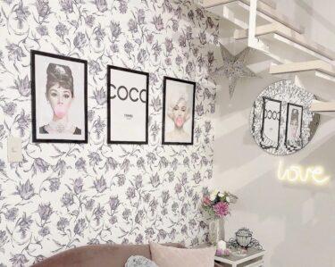 100均の写真立てを壁掛けのデザインに!プチプラインテリ術を公開